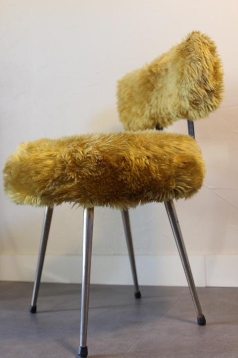 chaise moumoute vintage vintage by fabichka. Black Bedroom Furniture Sets. Home Design Ideas
