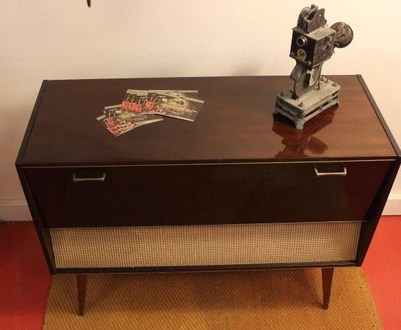 Ancien meuble hifi vintage by fabichka for Meuble vinyle
