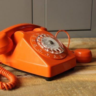 téléphone à cadran rotatif