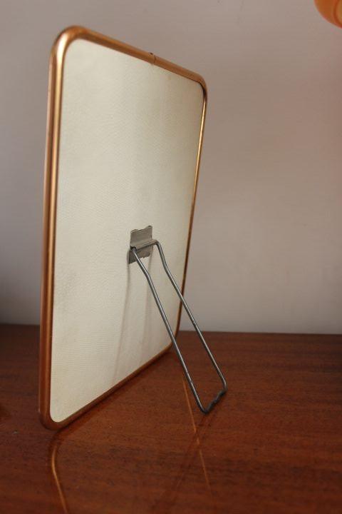 Miroir de barbier cerclage m tal ros 1950 vintage by for Miroir barbier