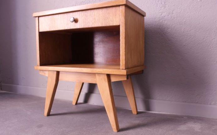 table de chevet pieds compas 1960 vintage by fabichka. Black Bedroom Furniture Sets. Home Design Ideas