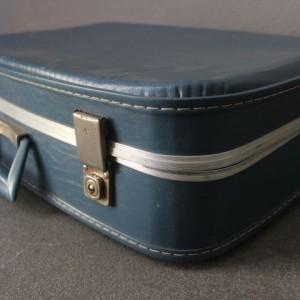 valise cartonné recouverte de skaï - 1950