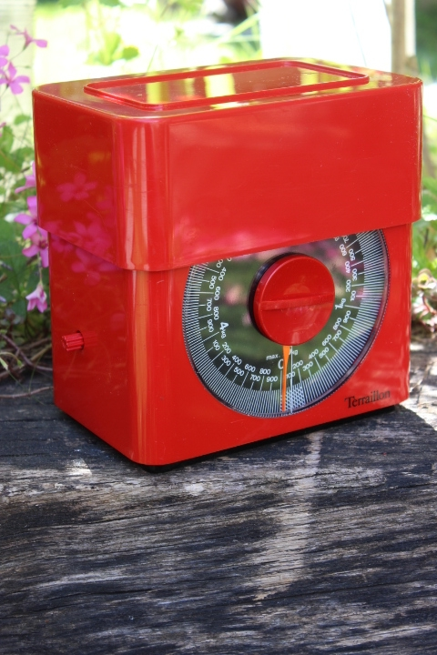 balance de cuisine m canique terraillon rouge 70 39 s. Black Bedroom Furniture Sets. Home Design Ideas