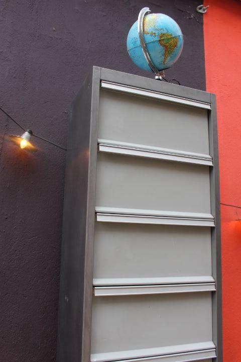 ancien meuble industriel clapets vintage by fabichka. Black Bedroom Furniture Sets. Home Design Ideas