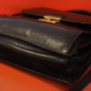 Sacoche en cuir noir de la marque Cordiz pour hommes branchés,