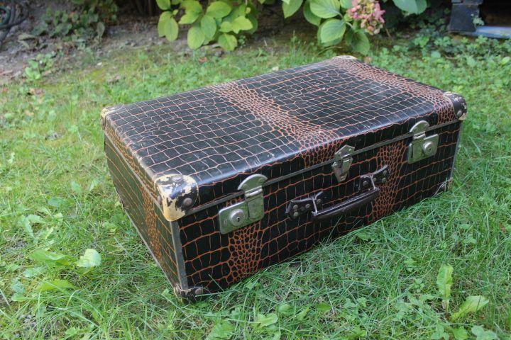 Ancienne valise impression croco vintage by fabichka for Valise makita avec tous ses accessoires