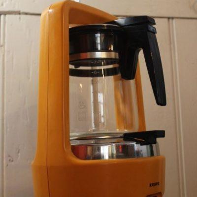 cafetière électrique orange pop 1970