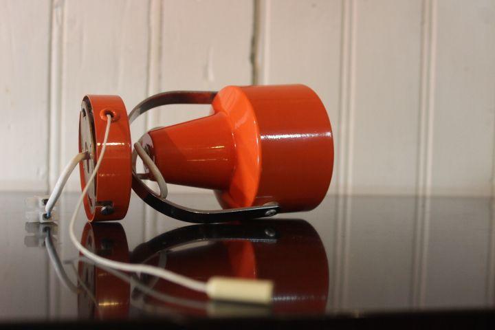 spot en métal orange orientable seventies