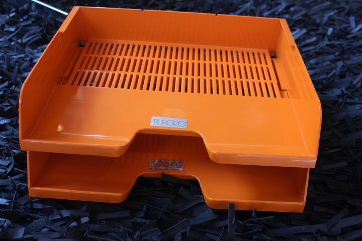 Casiers pour courriers plastique orange