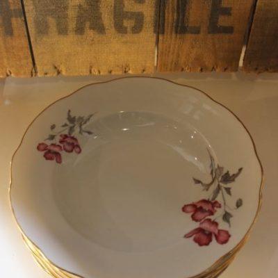 Ancien service en porcelaine