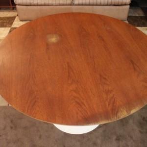 table ronde pied tulipe plateau bois années 50 vintage