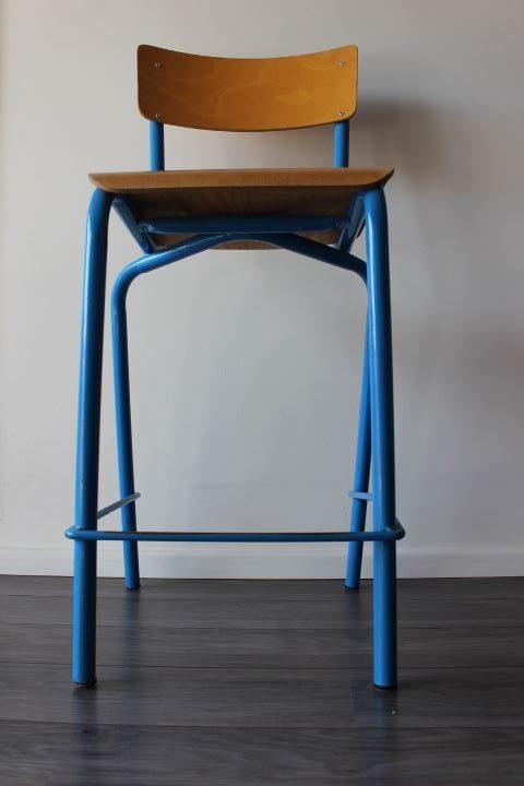 chaise haute d 39 colier l 39 esprit indus 39 mariant bois et m tal. Black Bedroom Furniture Sets. Home Design Ideas