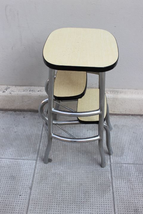 tabouret escabeau ou marche pieds en formica des ann es 60. Black Bedroom Furniture Sets. Home Design Ideas