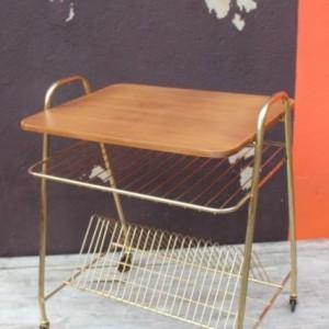 table d'appoint à roulettes vintage
