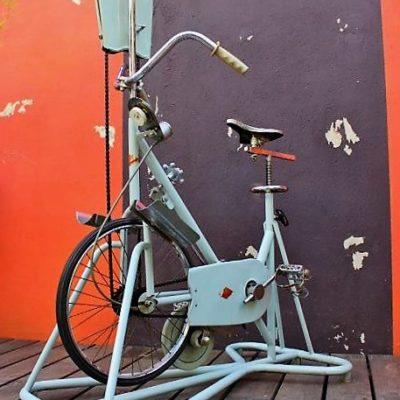 vélo appartement vintage