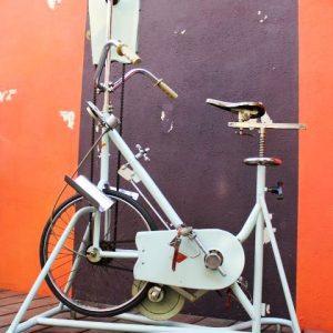 vélo appartement vintage pour réeducation Marcel Franco 1950
