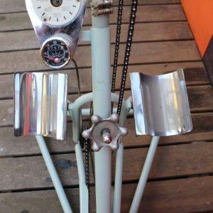 ancien vélo pour réeducation 1950