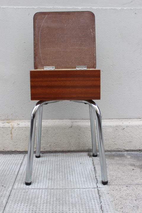 tabouret en formica avec coffre de rangement datant des 1960. Black Bedroom Furniture Sets. Home Design Ideas