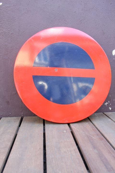 Panneau de signalisation en tôle émaillée