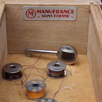 Meuble ancienne machine à coudre