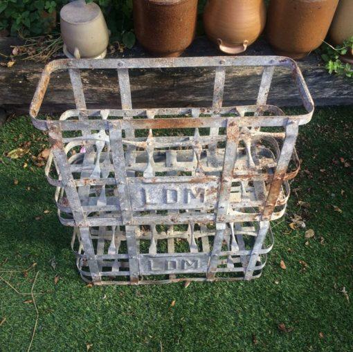 Ancien casier bouteilles en métal LDM