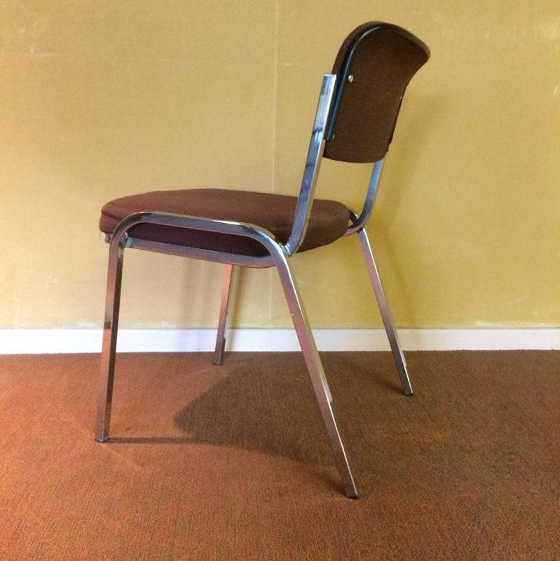 chaise de r union vintage structure m tal chrom assise et dossier tissus kvarat. Black Bedroom Furniture Sets. Home Design Ideas