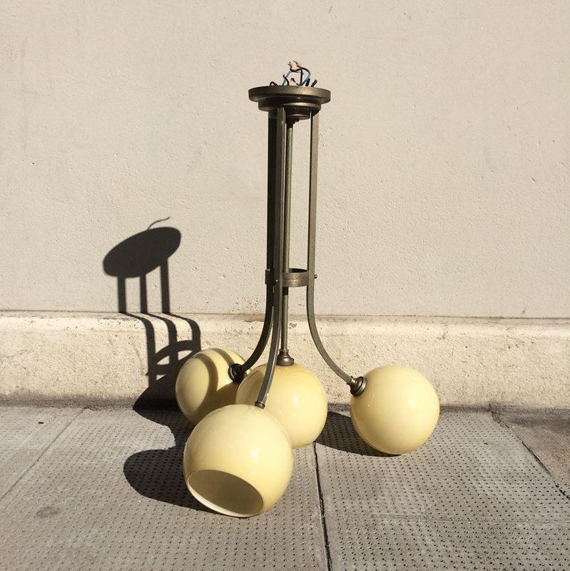 Suspension vintage 4 globes en opaline