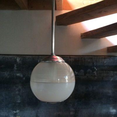 suspension boule verre et métal