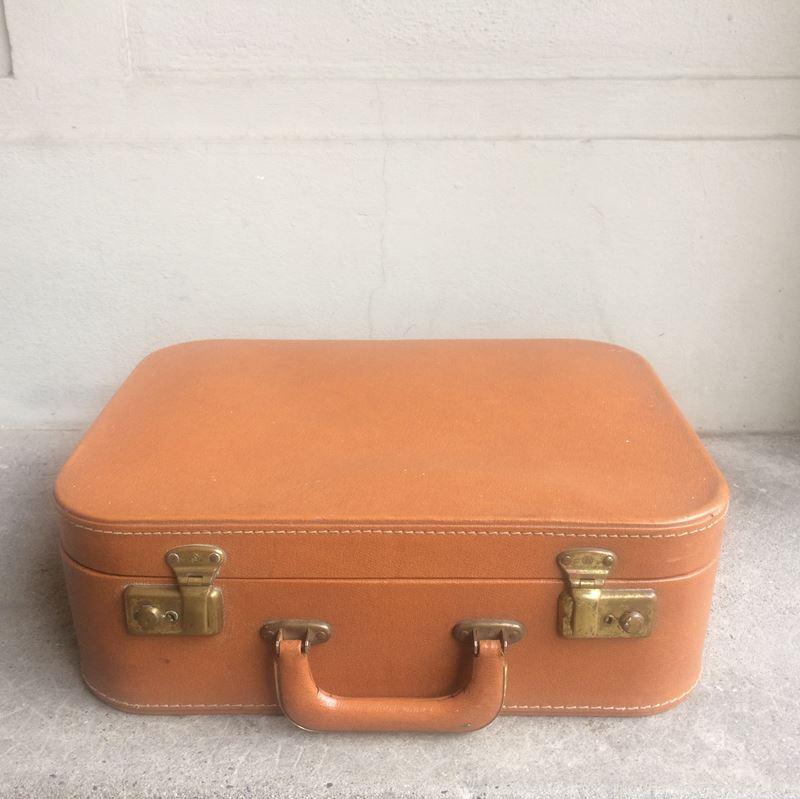 Valise ancienne avec n cessaire de toilette datant des for Valise makita avec tous ses accessoires