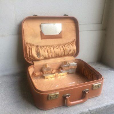 valise vanity vintage
