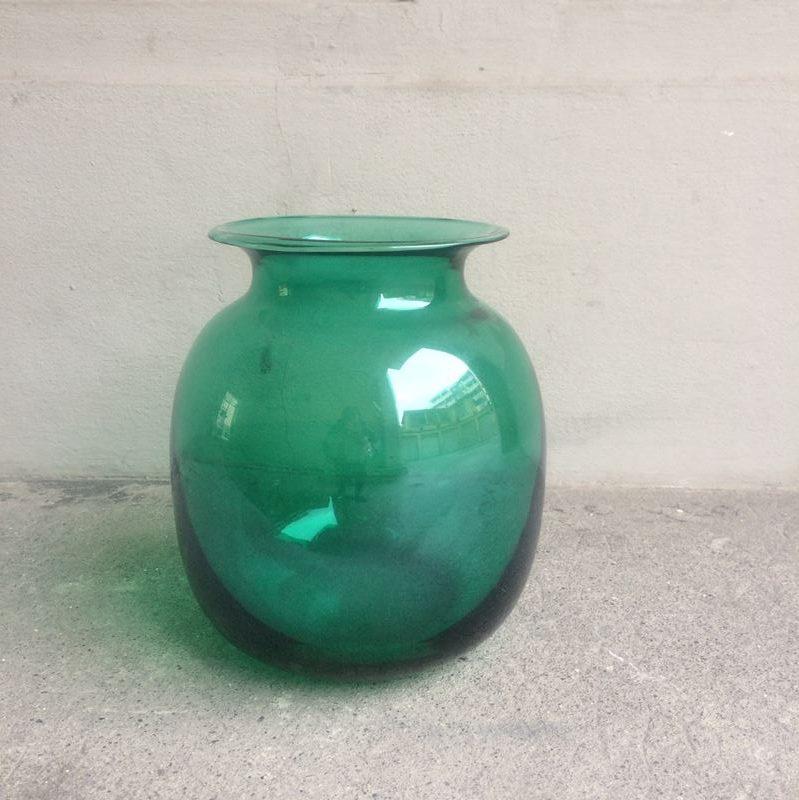 Vase boule transparent latest vase boule en verre with vase boule transparent perfect dec vase - Boule verre suspendu ...