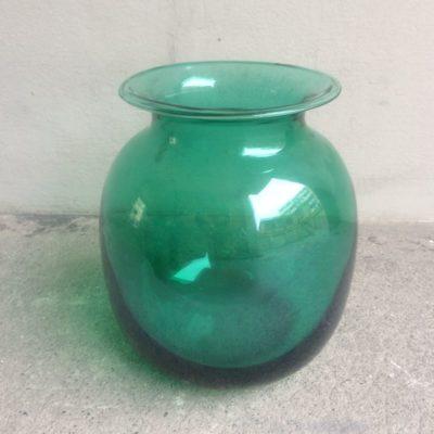 Vase boule à collerette en verre