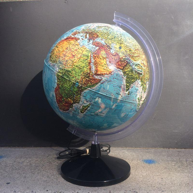 Ancien globe terrestre lumineux datant des ann es 70 for Globe lumineux exterieur