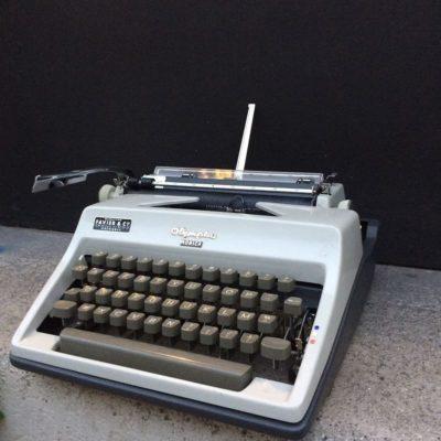 datant Remington machines à écrire spectacle de rencontres d'invalidité