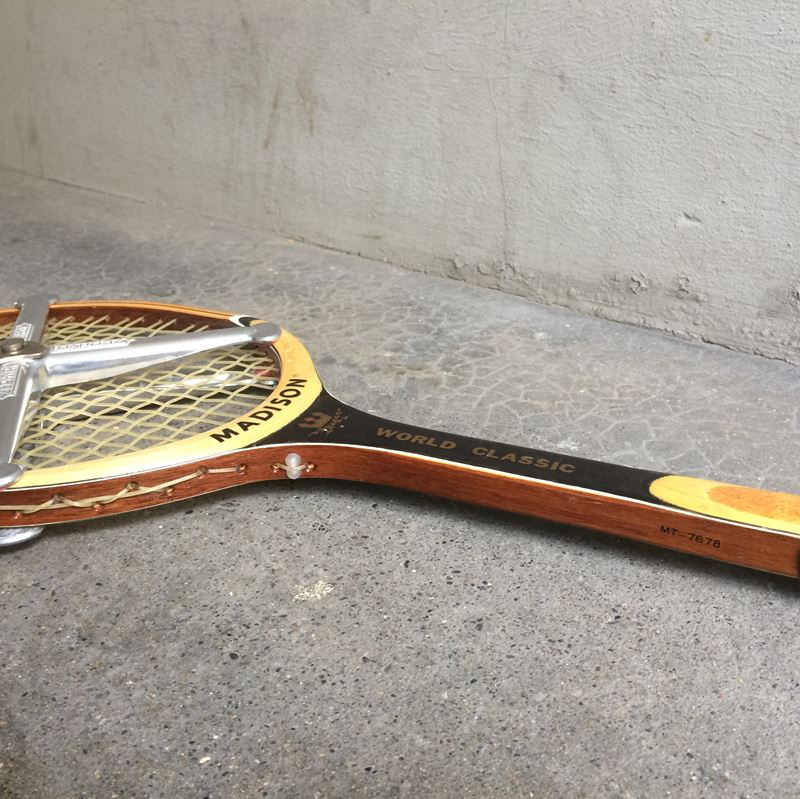 raquette de tennis vintage madison world classic. Black Bedroom Furniture Sets. Home Design Ideas