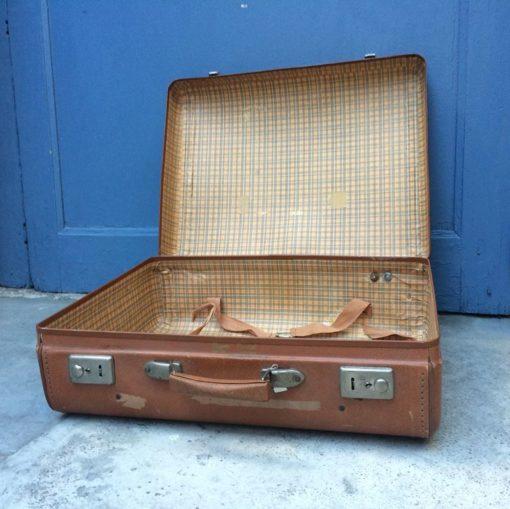 Ancienne valise rétro