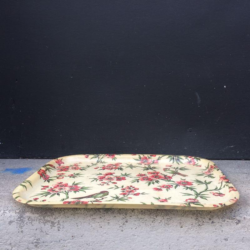 ancien plateau en fibre de verre motif floral. Black Bedroom Furniture Sets. Home Design Ideas