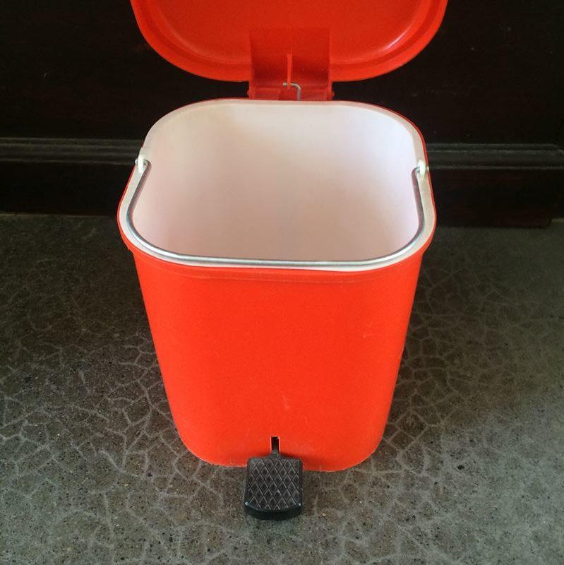 Poubelle Orange Pop · Poubelle Salle De Bain