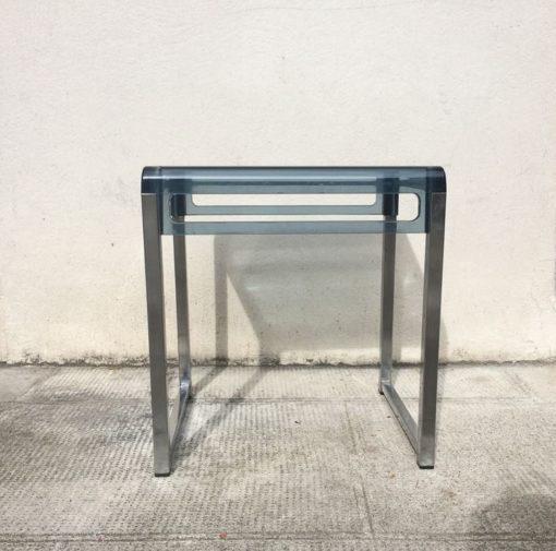 Table basse plexiglas bleu vintage