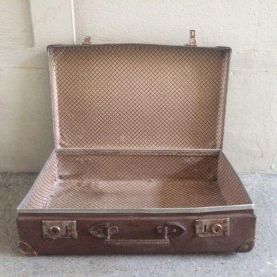 Ancienne valise en fibre de verre