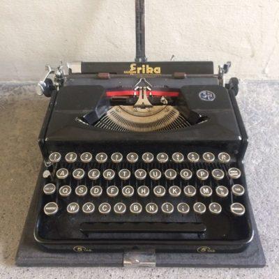 Ancienne machine à écrire mécanique