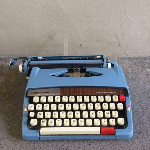 Machine à écrire bleu