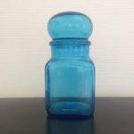 Bocal en verre bleu vintage