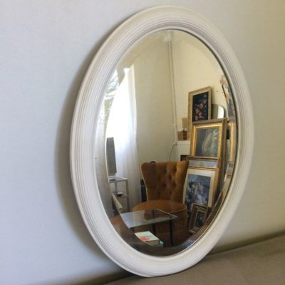 Miroir ovale biseauté blanc