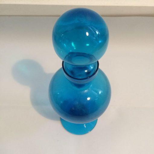 Flacon en verre bleu vintage