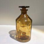 Ancien flacon apothicaire verre ambré