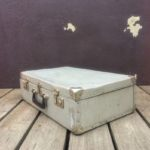 Ancienne valise en métal des années 50-60