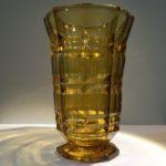 Vase style Art Déco en verre taillé