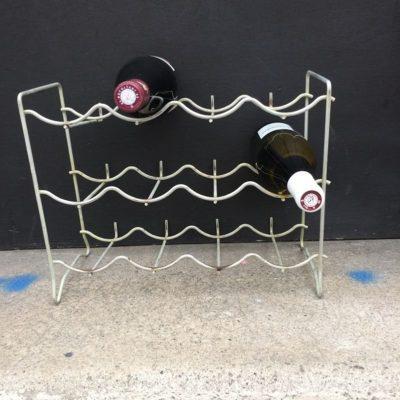 Ancien casier porte bouteilles