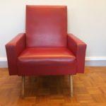 Fauteuil vintage skaï rouge